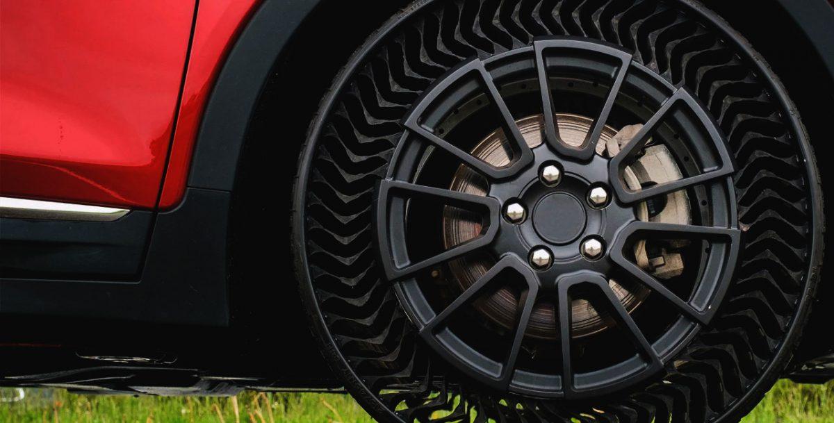 Un pneu anti-crevaison signé Michelin et GM