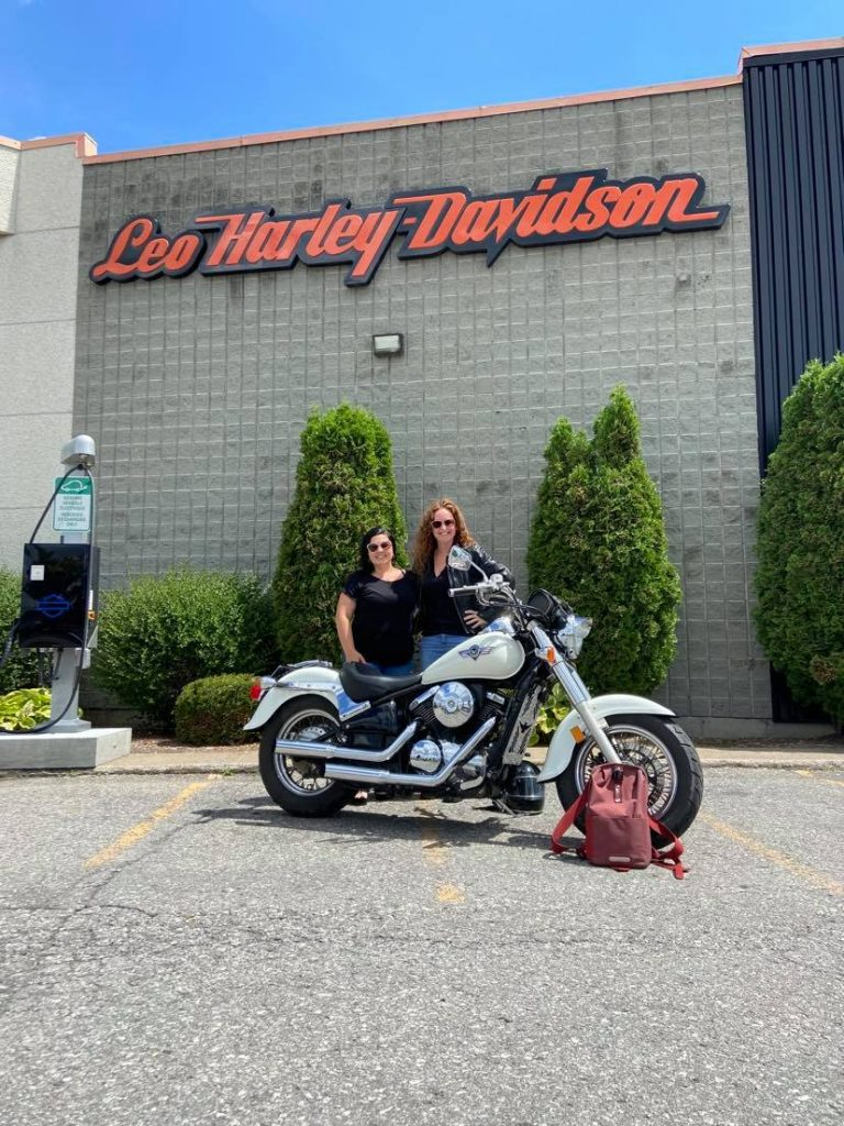 Rencontre avec Silvi Tourigny: humoriste et biker