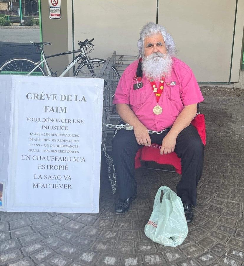 Rejean Bacon fait la grève de la faim et de la soir pour combattre son injustice