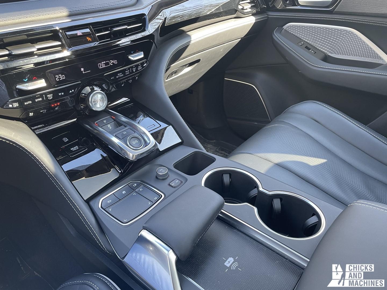 2022 MDX Acura Console