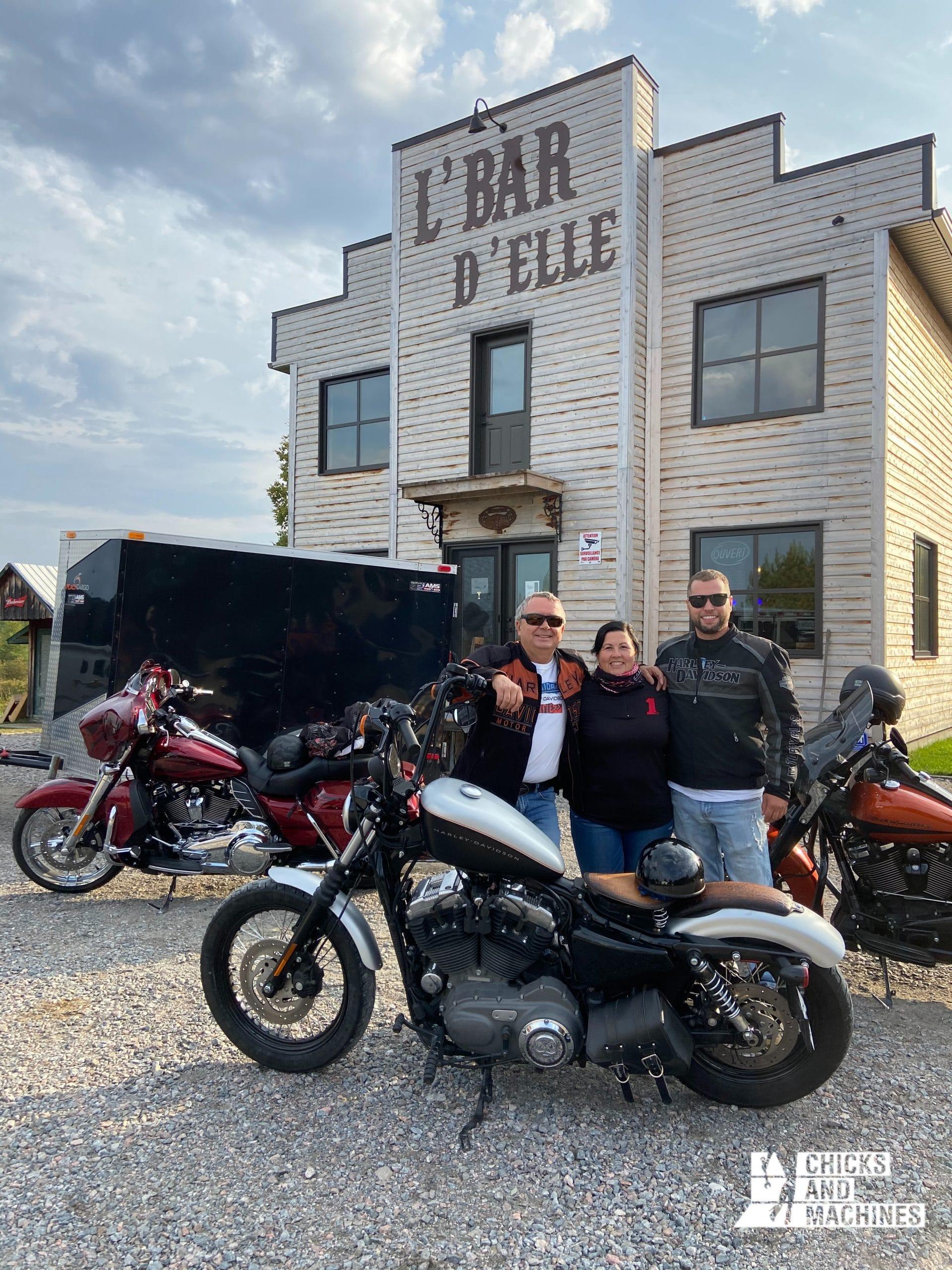 Roadtrip à moto : Au Bar d'Elle - Sainte-Jeanne d'Arc