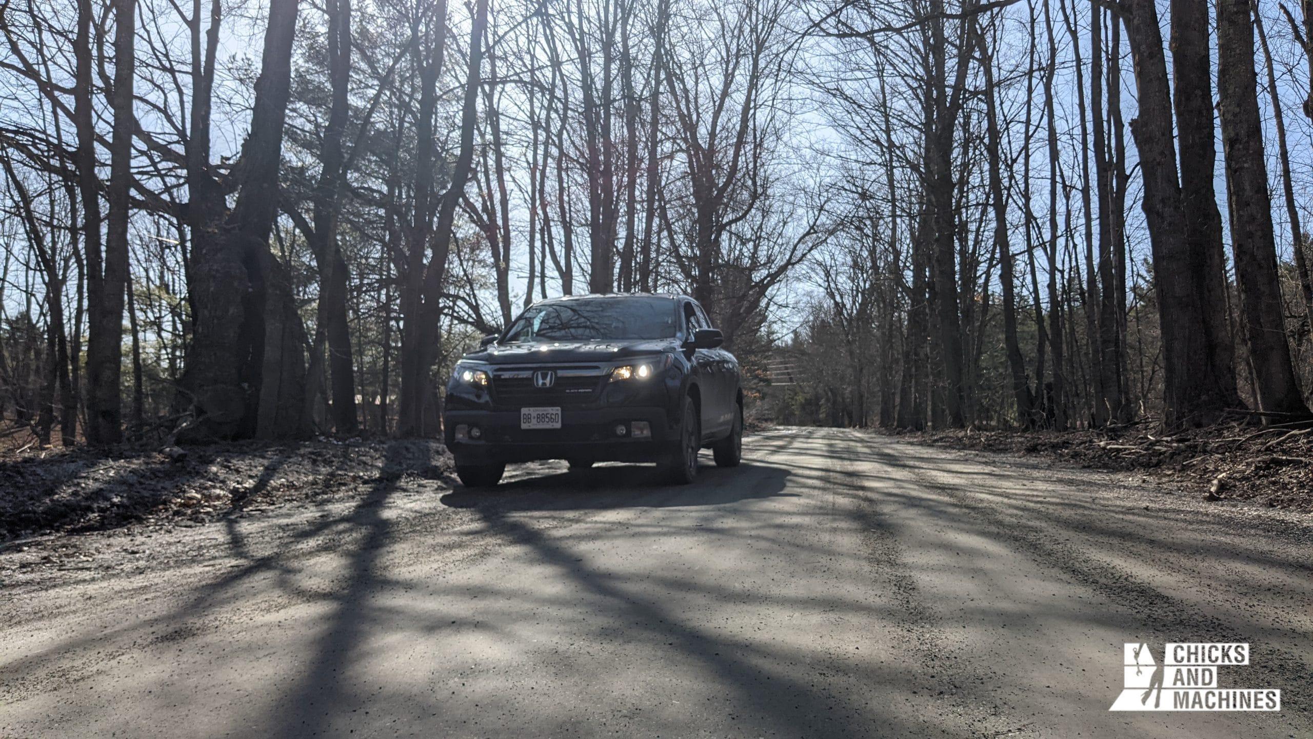 Le Honda Ridgeline Black Edition 2020 dans les chemins de terre