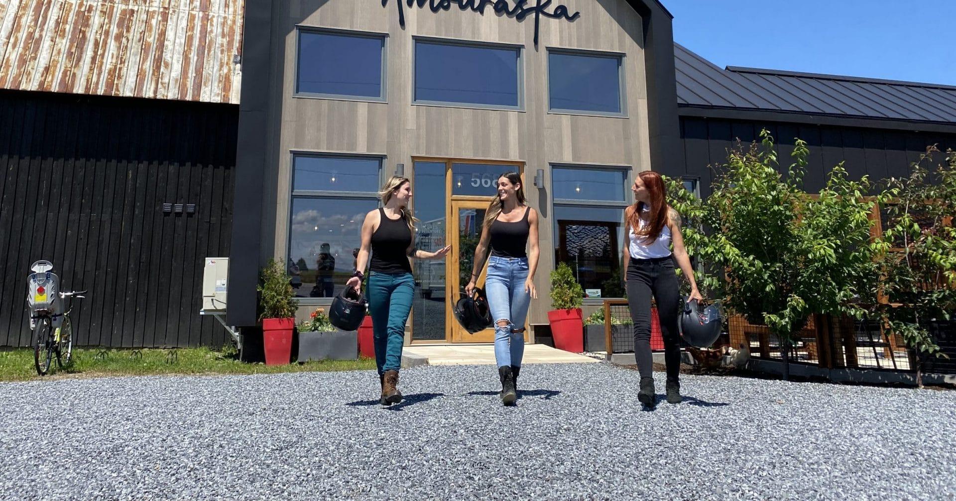 Roadtrip à moto entre filles au Bas Saint-Laurent !