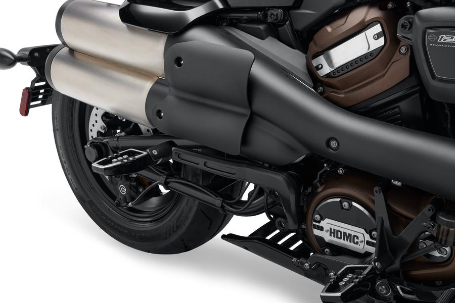 Exhaust pipes designed to keep heat away from the legs. Photo: https://www.harley-davidson.com/ca/en/motorcycles/sportster-s.html
