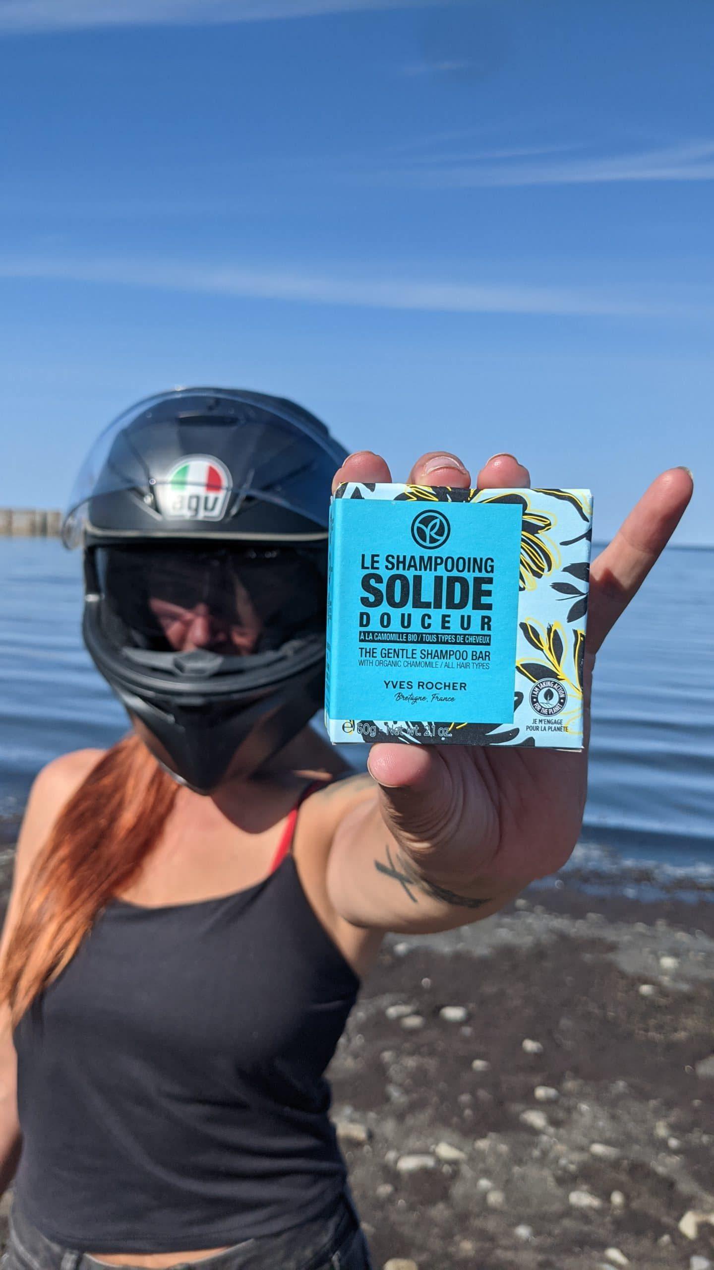 Le shampooing solide Yves Rocher est idéal pour un roadtrip à moto !