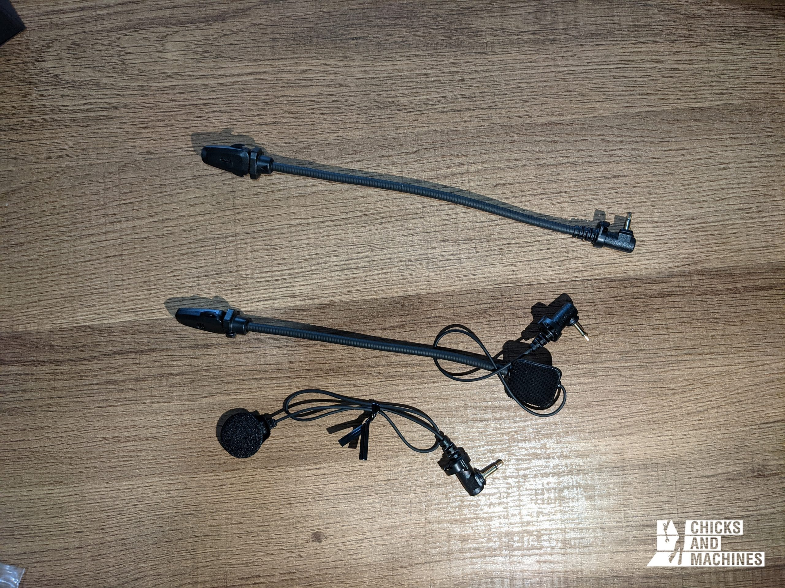 The different microphone options provided with the Sena 50S
