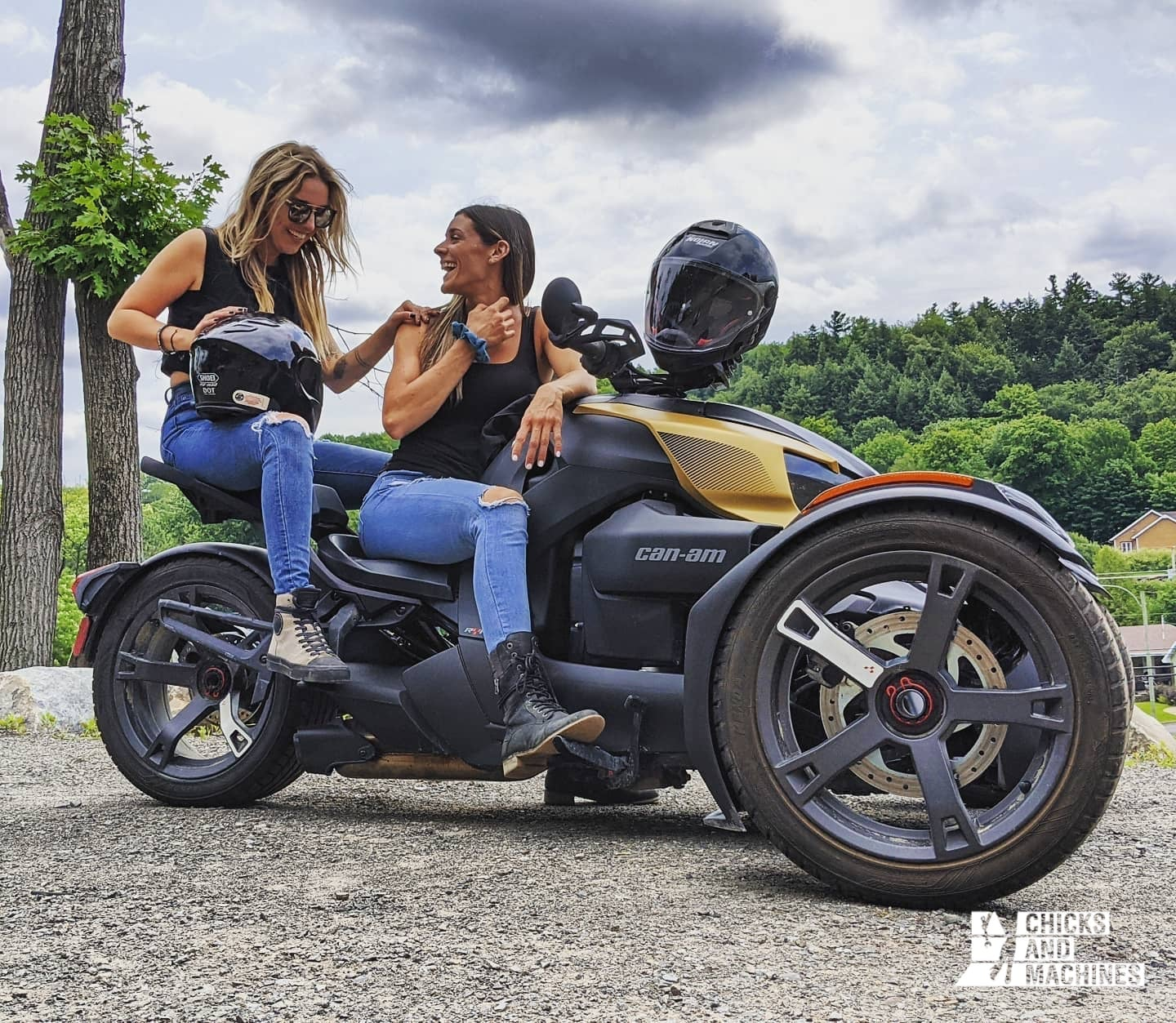 Cyndi and Emilie who are proud to be Women of On-Road !