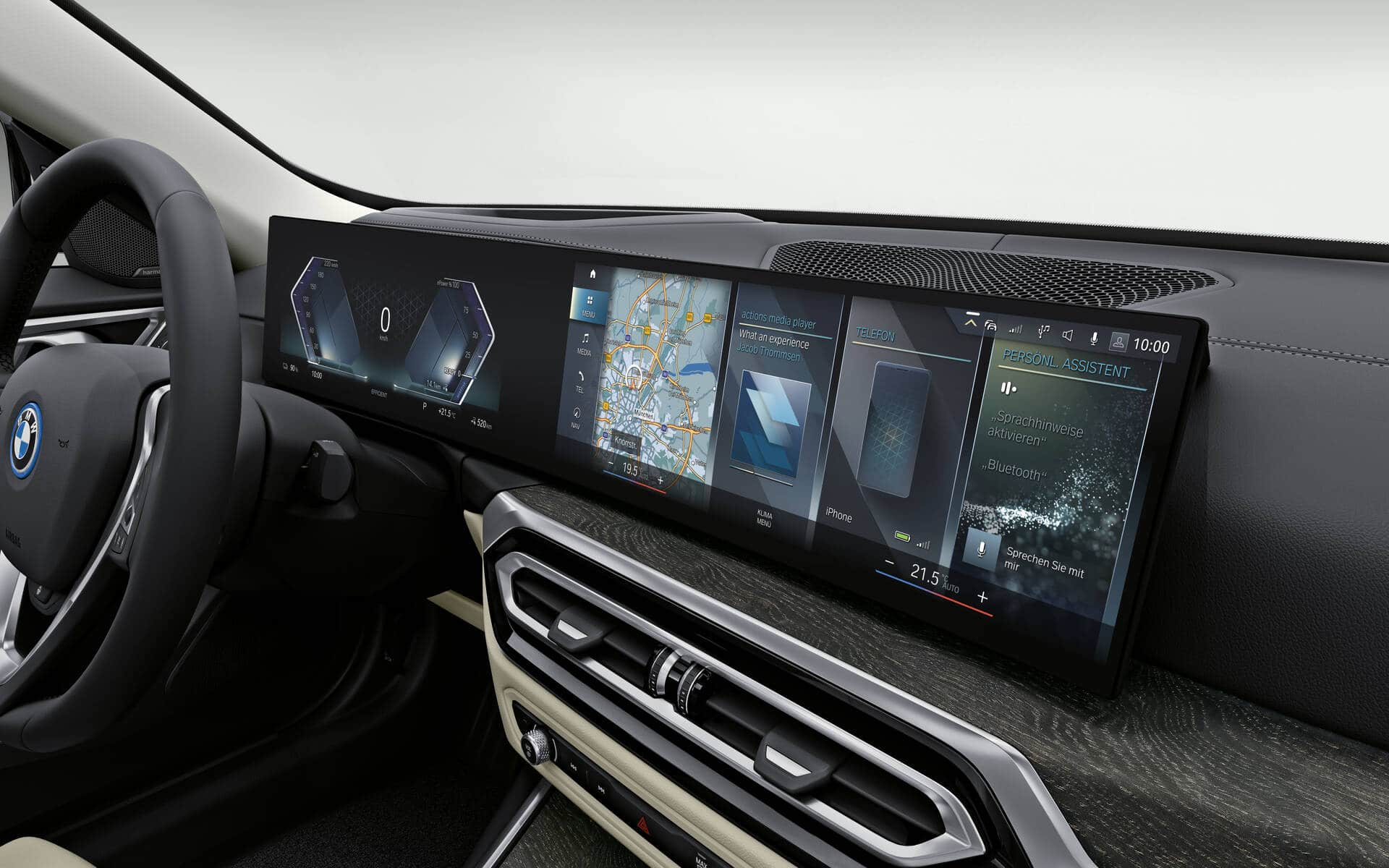 Les deux écrans juxtaposés de la BMW i4 2022. Source: www.guideauto.ca