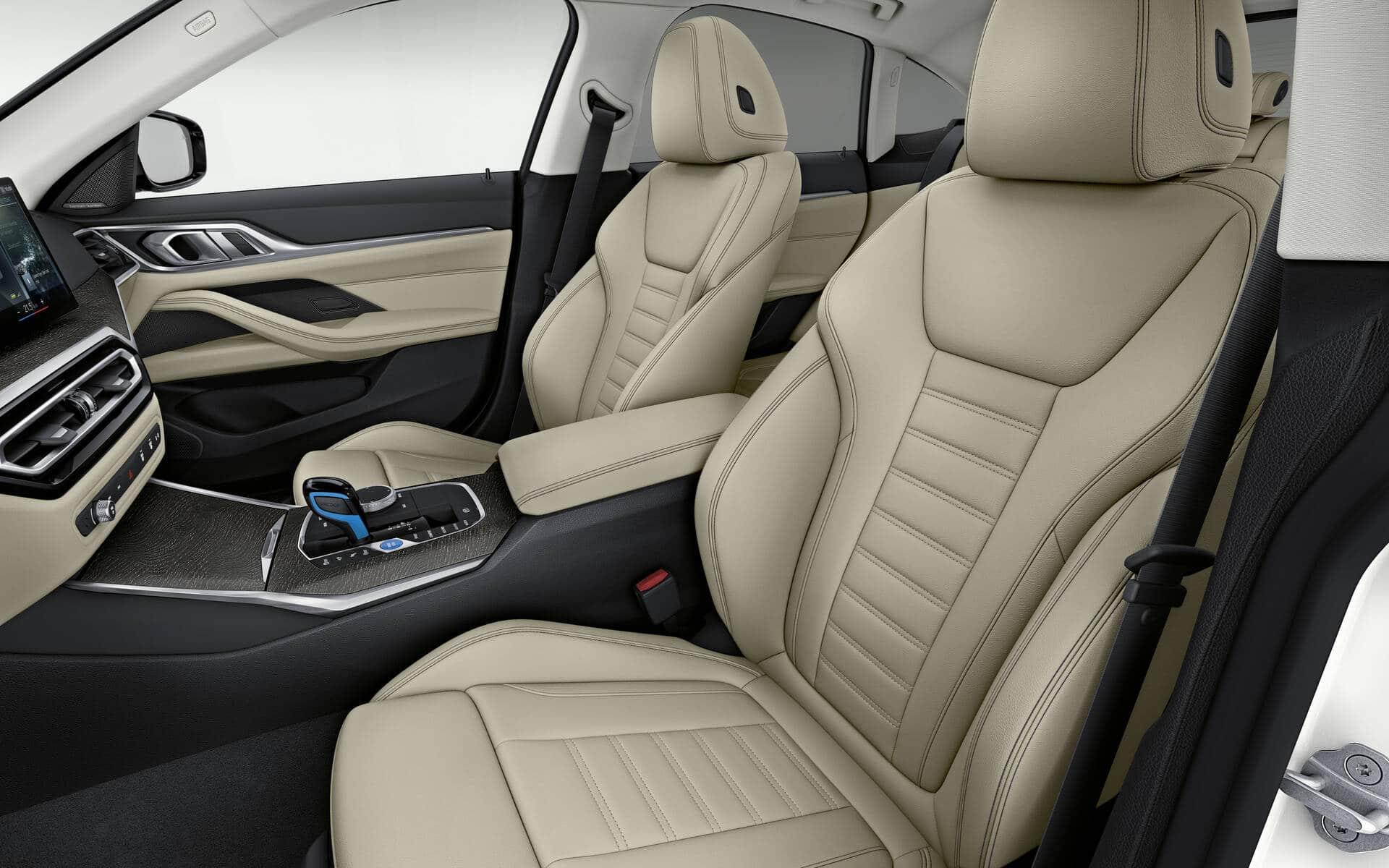 Confort assuré à bord de la BMW i4 2022 ! Source: www.guideauto.ca