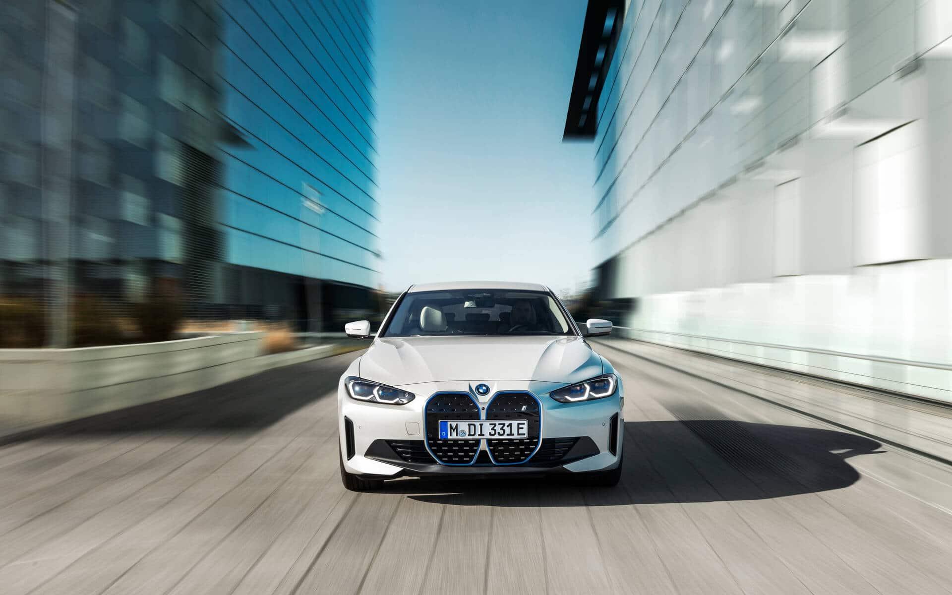 La BMW i4 M50 offre 536 chevaux. Source: www.guideauto.ca
