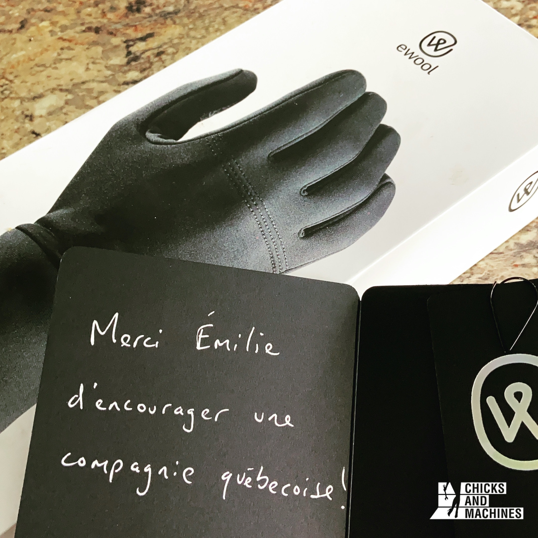 The beautiful message that Emi received when she opened her package.