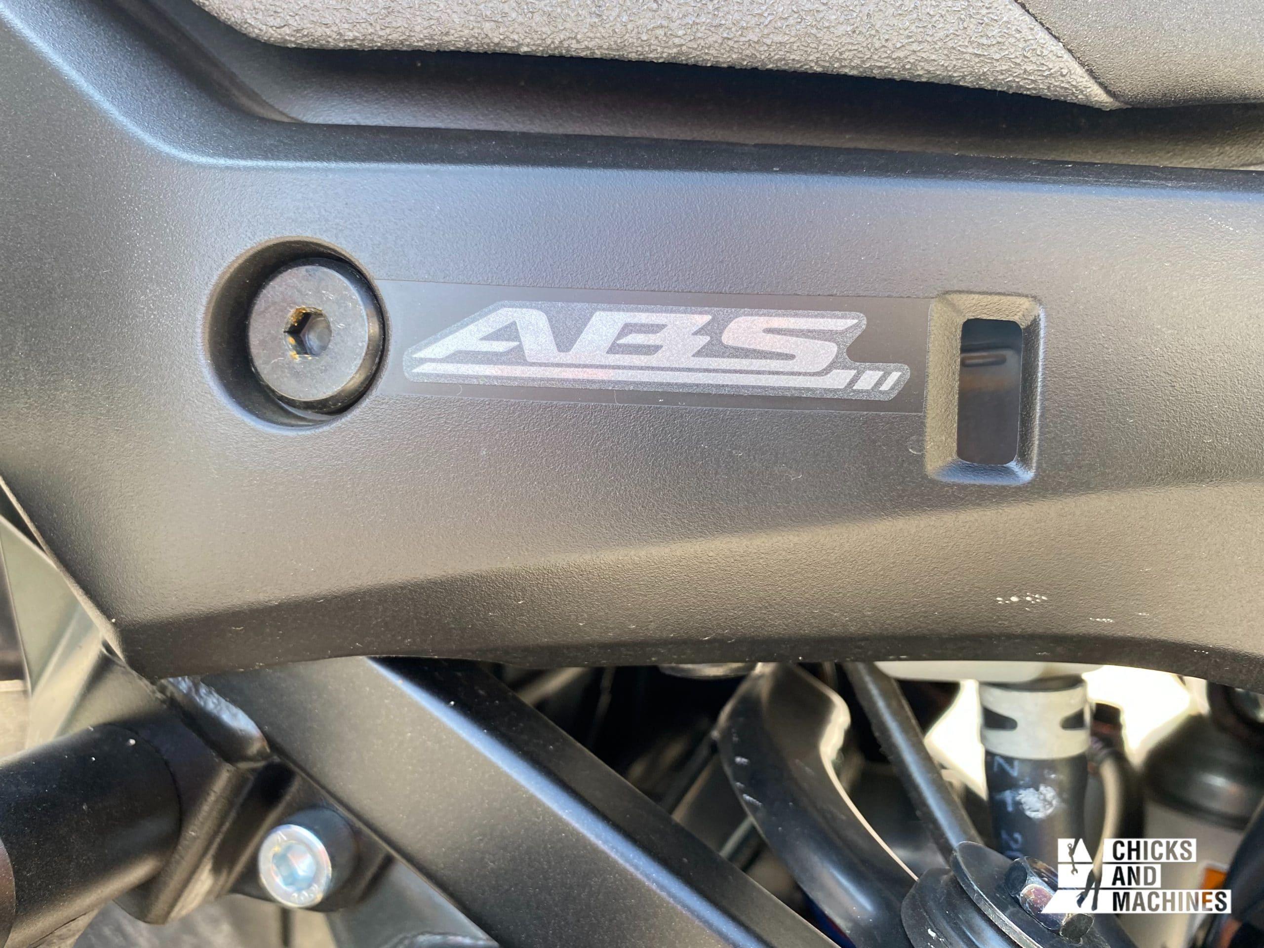 Il faut demeurer prudent malgré le système ABS !