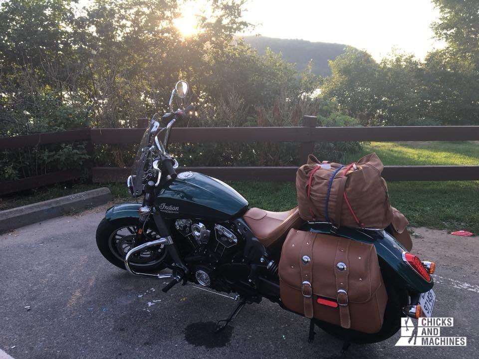 Sophie se prépare pour une balade à moto, sans savoir ce qui l'attendait...