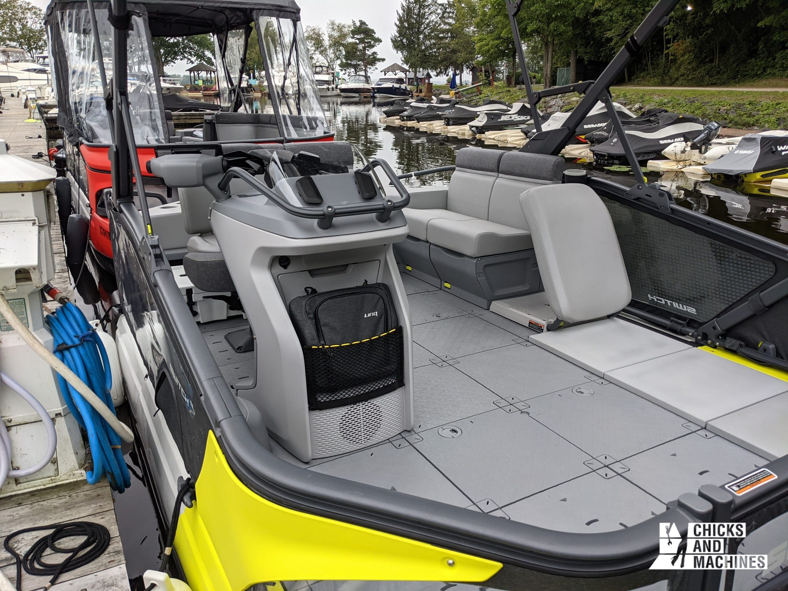 The modular platform of the Switch pontoon: easy to use!