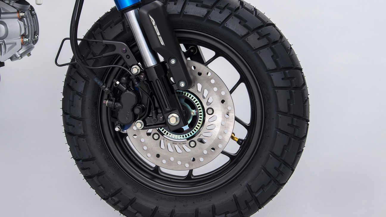 The front brakes of the Honda Monkey. Source: https://hondanews.eu/eu/lv