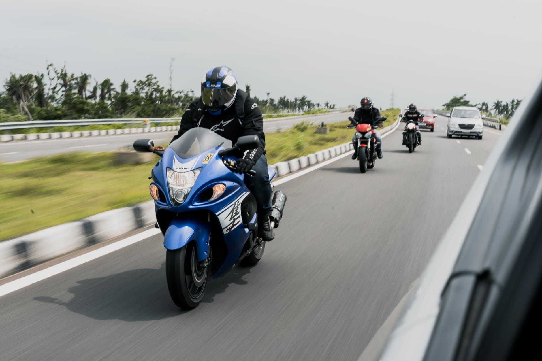 Rouler à moto sans avoir peur des automobilistes, est-ce possible ?